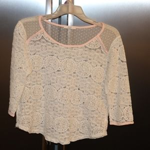 Women's top LE LIS sheer shoulder Med shirt lace